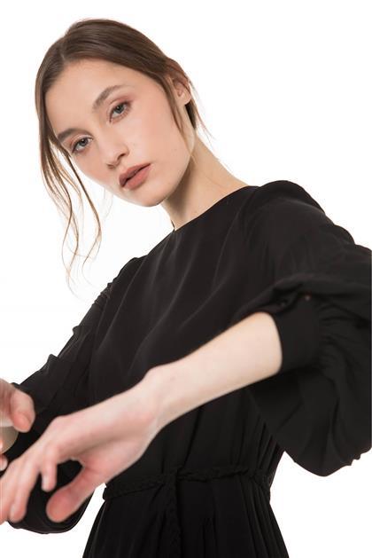 Kolları Pile Detaylı Hasır Kemerli Manşetli Siyah Renk Elbise V20YELB17023
