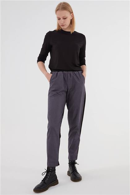 Deri Detaylı Kadın Pantolon Siyah Mor V20KPNT35012