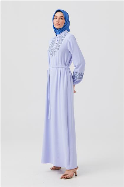 A. Mavi Kol Ve Ön Kaneviçe İşlemeli Elbise