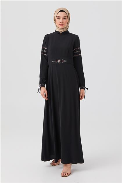 Siyah Kol Ve Bel İşlemeli Bilekten Bağlamalı Elbise